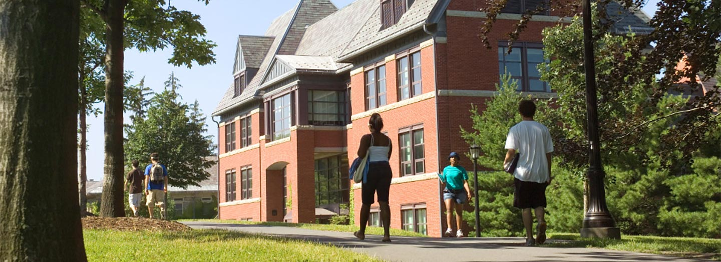 Students walking in front of Lincoln Hall